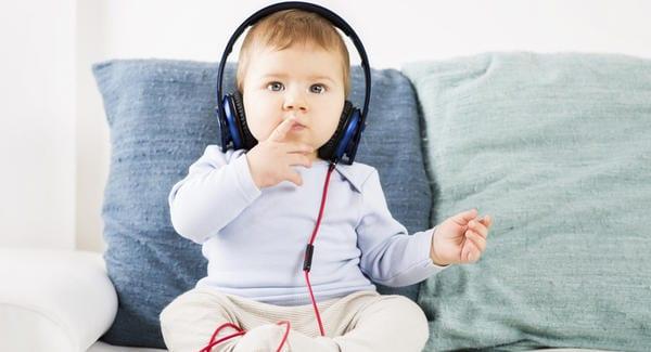 Como saber se seu pequeno possui algum nível de deficiência auditiva?